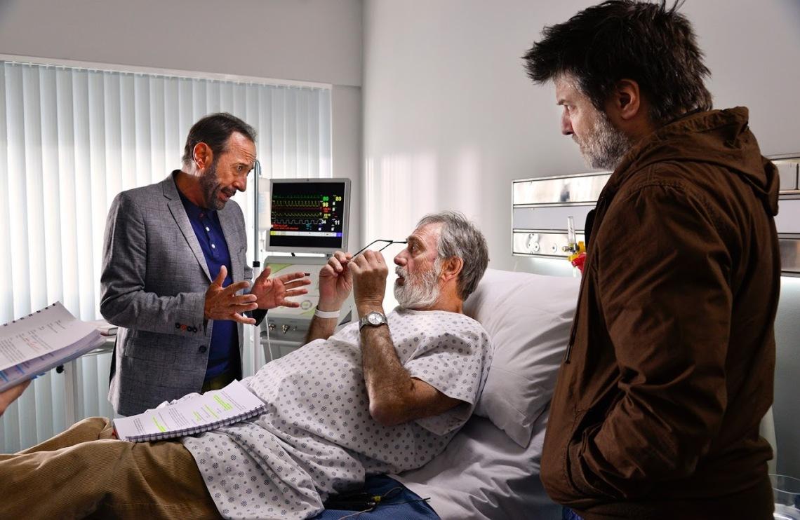 Los-protagonistas-del-Film-Guillermo-Francella-y-Luis-Brandoni-en-plena-escena-junto-al-Director-Gastón-Duprat.jpg